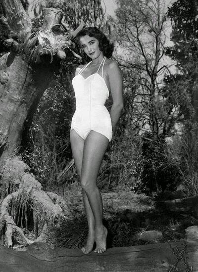 julie-adams-la-mujer-y-el-monstruo