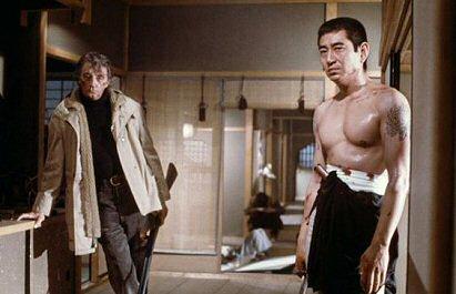 """Películas ambientadas en """"La Mafia"""" Yakuza-robert-mitchum-fotos-peliculas"""