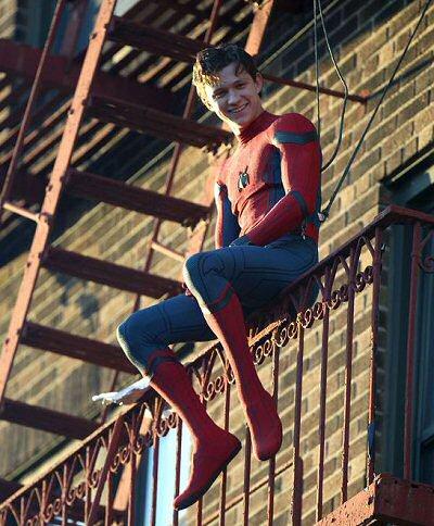 tom-holland-spiderman-foto