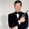 roger-moore-como-james-bond