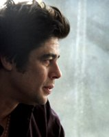 Benicio del Toro como pies negro