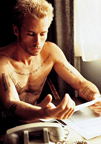 guy-pearce-memento-foto