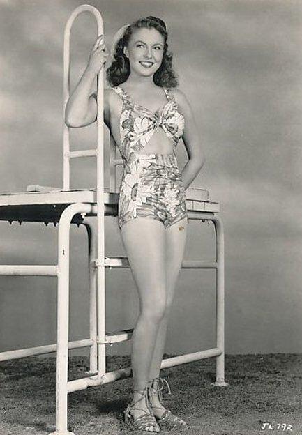 joan-leslie-foto-biografia