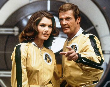 moonraker-bond-roger-moore-critica-review