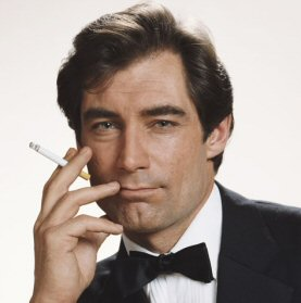 timothy-dalton-fotos-bond