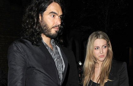 russell-brand-mujer-fotos