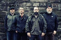 clutch-banda-rock-foto