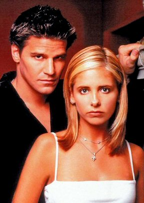 sarah-michelle-gellar-en-buffy-series