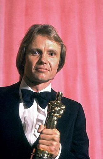 jon-voight-oscar
