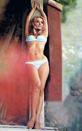 barbara-bouchet-bikini-foto