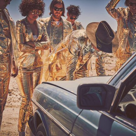 arcade-fire-foto-critica-everything-now