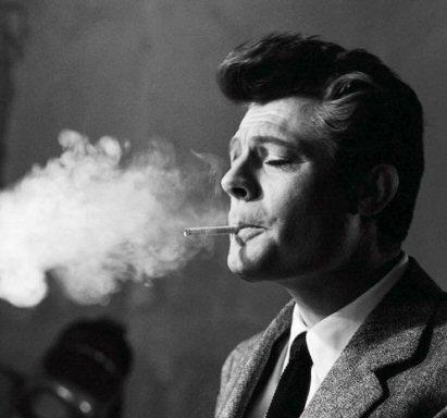 marcello-mastroianni-fumando