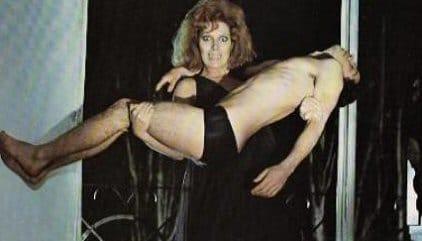 orgina-nocturna-vampiros-foto-critica