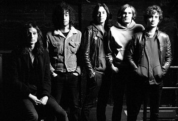 the-strokes-new-abnormal-critica-discos-foto