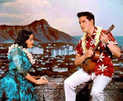amor-en-hawai-elvis-critica-fotos