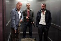 movie review a good day to die hard la jungla un buen dia para morir critica fotos images