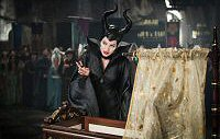 angelina jolie maleficent movie review fotos pictures