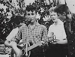 foto john Lennon pete shotton quarrymen